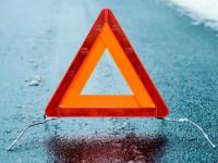 На новгородском участке трассы М-11  спасатели вытащили водителя из раздавленной автовозом легковушки