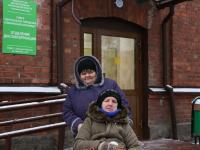 Новгородка с ограниченными возможностями оценила новое отделение диспансеризации клиники-юбиляра