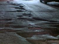 Новый мэр Великого Новгорода в первый же день выехал на проблемный участок дороги