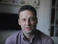 Онколог Андрей Павленко - победитель премии «Headliner года»! Читатели «53 новостей» ему помогли