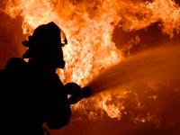 Пожарные в течение часа боролись за сохранность дома в Новгородском районе