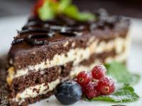 Простые праздничные торты, которые испечет даже самая неопытная хозяйка