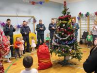 МЧС подарило праздник малышам из новгородского детского дома