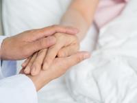 В Новгородской области развивают систему помощи неизлечимо больным людям
