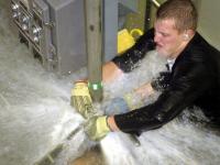 В Окуловке водоканал задумался над отключением воды за долги