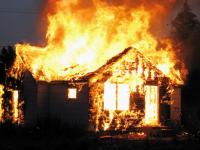 В Валдайском районе на пожаре погибли два человека