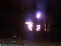 Внутри горящего дома в Малой Вишере нашли труп мужчины