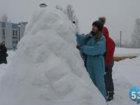 Боровичский фестиваль снежных скульптур вызывает вдохновение и эйфорию