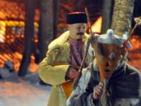 В Васильев вечер в новгородских «Витославлицах» рассказали, как узнать судьбу и наплясать достаток