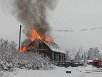 Настоящий герой: мужчина спас ребенка из горящего дома в Хвойной
