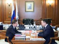 Строительство КриоАЗС на трассах и газопровода в Хвойную обсудили Андрей Никитин и Алексей Миллер
