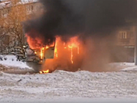 Утром в центре Великого Новгорода сгорел УАЗ