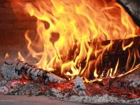 В Хвойнинском районе мужчина отравился в собственном доме угарным газом