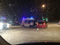 В Великом Новгороде скорая помощь попала в аварию по дороге на вызов