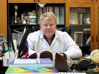 «53 врача»: главный акушер-гинеколог Новгородской области Валерий Мишекурин