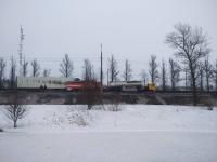 На М-10 в Новгородской области столкнулись бензовоз и фура