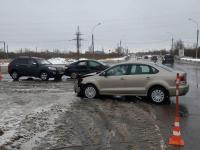 На Сырковском шоссе в Великом Новгороде в аварии пострадала женщина
