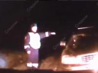 Не всегда всё гладко в деревне Гладь: агрессивный пассажир направил ружьё на дорожных полицейских