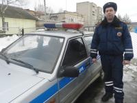 Новгородские автоинспекторы ночью выручили жительницу Санкт-Петербурга