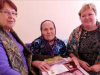 Последняя жительница деревеньки Астратово не хочет из неё уезжать даже на девятом десятке лет