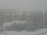 В Чудове наступил суровый февраль — все улицы буквально завалило снегом