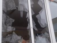 В квартире на проспекте Корсунова в Великом Новгороде взрывом выбило стекла