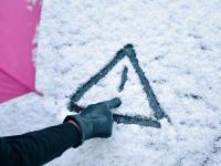 В Великий Новгород вернулись морозы. Как избежать травм при гололёде?