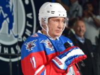 Владимир Путин не исключил, что может стать профессиональным хоккеистом