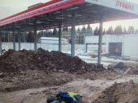 На строящейся заправке на трассе М-11 в Окуловском районе найден труп