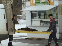 На Вокзальной площади Великого Новгорода обнаружен труп женщины