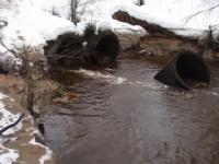 В Маловишерском районе дорожных рабочих смыло водой