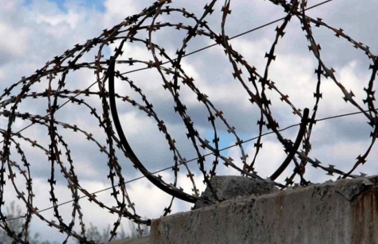 Заключенные парфинской колонии не дождались мобильных телефонов