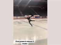 Евгения Медведева исполнила каскад из тройных прыжков впервые после травмы