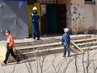 Фото: что происходит у дома на Локомотивной, 2?