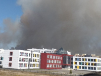 Фотофакт: школа № 36 в дыму из-за горящей травы