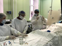 Новгородские и петербургские врачи провели сложную операцию на головном мозге