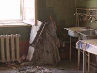 Новгородское общежитие не признали опасным, несмотря на рухнувший потолок
