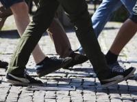 Новгородцев зовут прогуляться на 10 тысяч шагов и получить приз от мэра