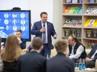 Основатель «1С» и губернатор подсказали школьникам путь к комфорту, свободе и богатству