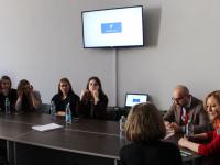 «Первый канал» проверяет новгородских студентов-журналистов на профпригодность