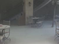 Посетителей кафе в ТЦ «Волна» в Великом Новгороде засыпало белым порошком