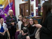 Юные актеры театра «Жест» получили пригласительные на шоу Ильи Авербуха