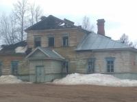 Жители Любытина уверены в поджоге здания XIX века