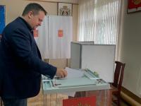 Губернатор Новгородской области проголосовал на праймериз «Единой России»