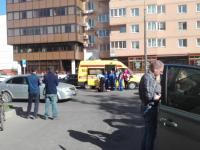 На Псковской улице автомобиль сбил мужчину, который ранил отверткой двух человек