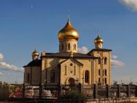 В Киришах приезжий вандал набросился с палкой на местный православный храм
