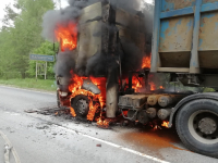 В Маловишерском районе загорелся грузовик c металлоломом
