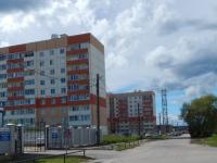 В пригороде Великого Новгорода с девятого этажа упал человек