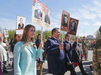 Видео: в шествии «Бессмертного полка» в Великом Новгороде принял участие губернатор Андрей Никитин