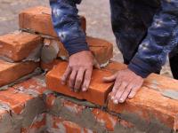 В Великом Новгороде возобновили строительство дома на Шимской улице